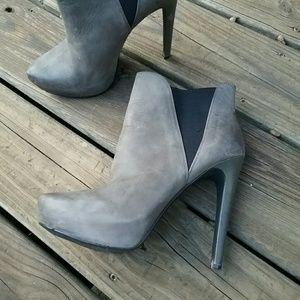 Jessica Simpson Leather Gray Platform Heel Booties